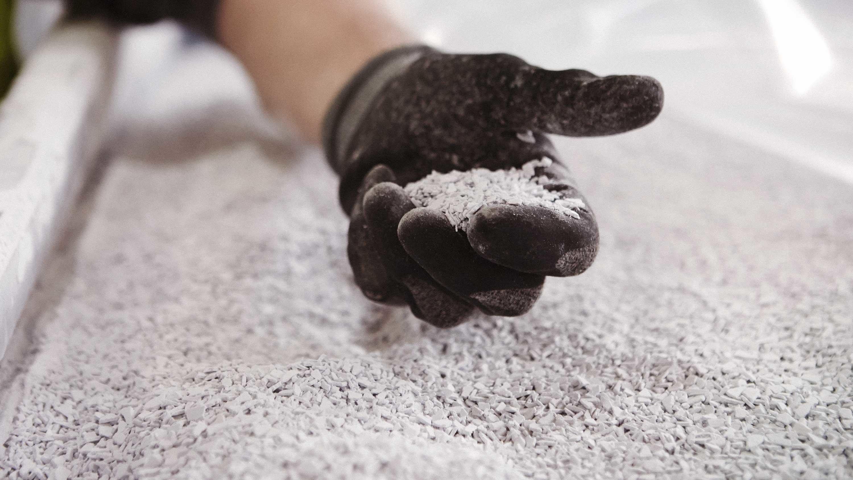 Granulat, som skal blive til nye gulve