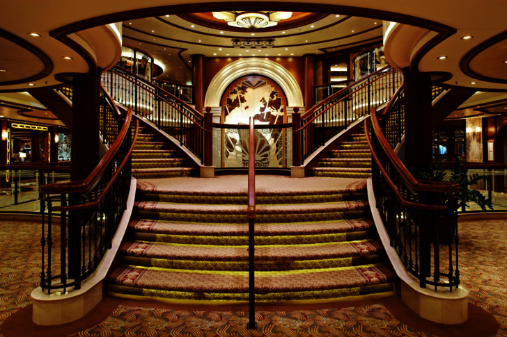 Speciaal ontworpen marine tapijt en harde vloeren voor in de marine industrie