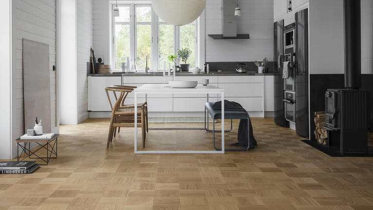 Tammiparketti on luonnollisen tyylikäs lattia