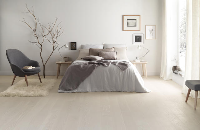 Choosing wood floors for a bedroom