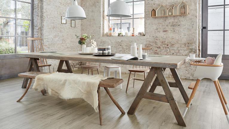 Klikkvinyl og laminat - robuste gulv til hytta