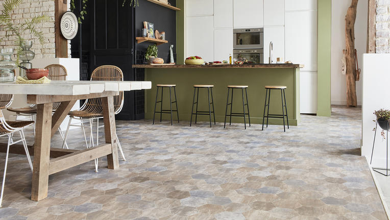 Choosing vinyl floors for a kitchen