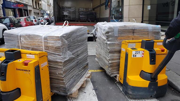 Tarkett signe un contrat cadre de recyclage des dalles de moquette usagées avec GECINA et le déploie sur un premier immeuble