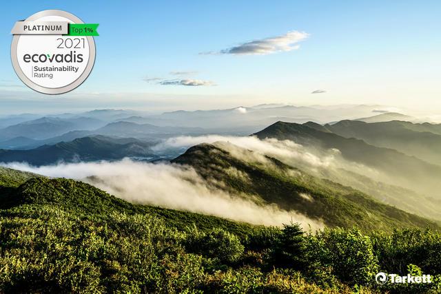 Tarkett награжден высокими оценками в области устойчивого развития и управления изменением климата: Платиновая медаль EcoVadis и награда CDP