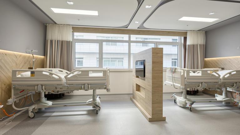Приватна клініка Acibadem Tokuda