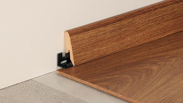 Large skirting boards for laminate flooring