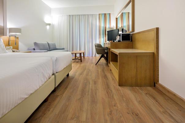 Hotel Minoa Palace